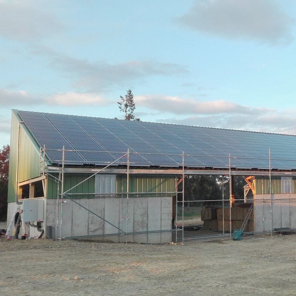 realisation-allosun-installation-5-(22)Bâtiment agricole - 99kVA