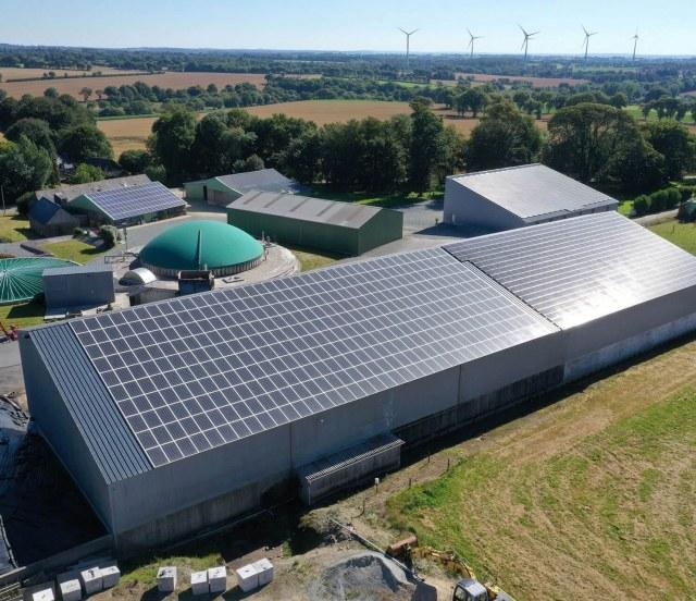 Groupe-Allosun Tinténiac Ille-et-Vilaine Bretagne 35 - Installation d'un bâtiment agricole 190kva à Kergrist dans le 22